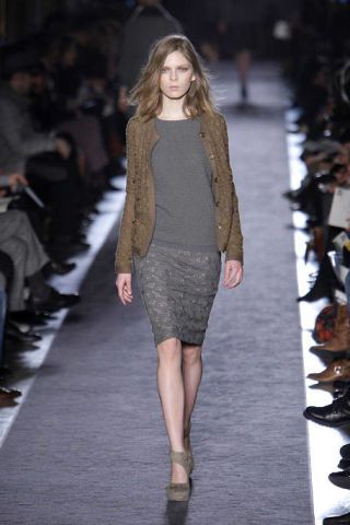 Clothing, Footwear, Brown, Fashion show, Shoulder, Runway, Joint, Outerwear, Human leg, Fashion model,