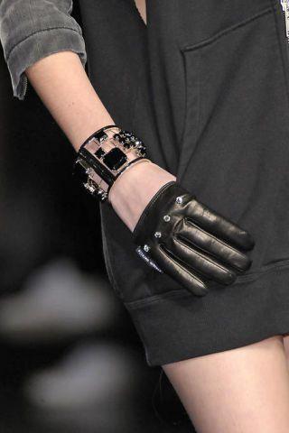 Finger, Wrist, Hand, Joint, Bracelet, Elbow, Fashion accessory, Nail, Fashion, Street fashion,