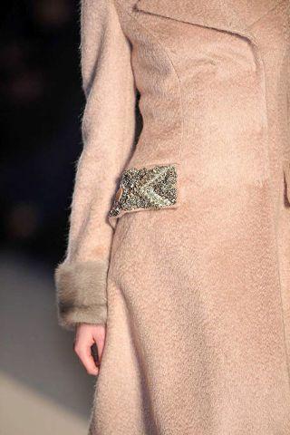 Sleeve, Joint, Collar, Blazer, Pattern, Tan, Beige, Khaki, Button, Waist,