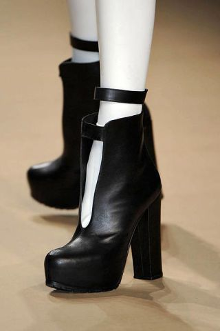 Footwear, Brown, Joint, Fashion, Boot, Tan, Beige, Costume accessory, Leather, High heels,