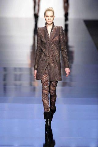 Fashion show, Runway, Joint, Outerwear, Fashion model, Style, Fashion, Jacket, Street fashion, Model,