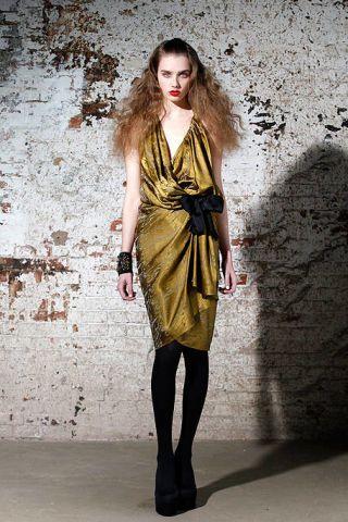 Clothing, Human body, Joint, Style, Dress, Fashion model, Street fashion, High heels, Long hair, Knee,