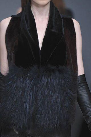 Clothing, Shoulder, Textile, Fashion model, Fashion, Black, Natural material, Fur, Fashion show, Leather,