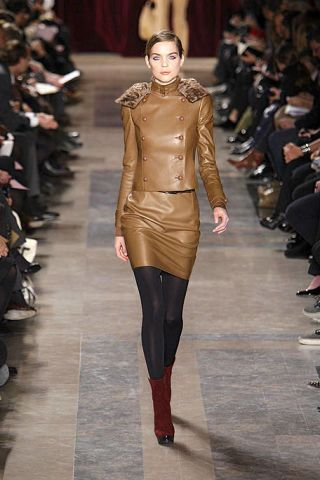 Clothing, Footwear, Brown, Fashion show, Runway, Joint, Outerwear, Fashion model, Style, Waist,