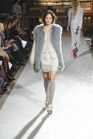 Clothing, Leg, Fashion show, Shoulder, Joint, Outerwear, Runway, Fashion model, Style, Street fashion,