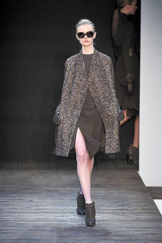 Clothing, Eyewear, Footwear, Leg, Joint, Outerwear, Coat, Fashion show, Style, Sunglasses,