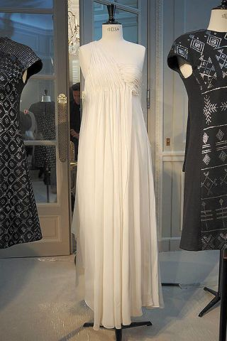Clothing, Sleeve, Dress, Textile, Formal wear, Pattern, Mannequin, One-piece garment, Fashion, Black,