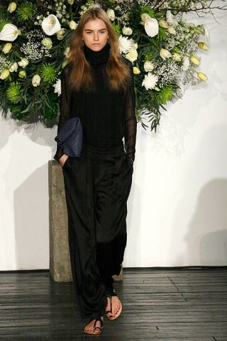 Petal, Shoe, Flower, Style, Floor, Slipper, Sandal, Floristry, Fashion, Flower Arranging,