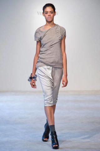 Clothing, Footwear, Leg, Sleeve, Human body, Human leg, Shoulder, Joint, White, Standing,