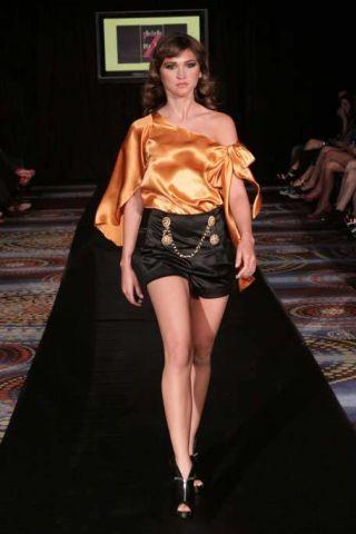 Clothing, Leg, Brown, Human leg, Shoulder, Textile, Fashion show, Joint, Fashion model, Style,