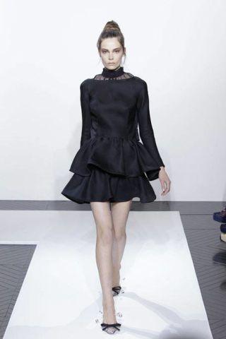 Clothing, Leg, Sleeve, Human leg, Dress, Shoulder, Joint, White, Style, Formal wear,