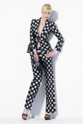Product, Sleeve, Shoulder, Standing, Joint, Style, Collar, Pattern, Formal wear, Blazer,
