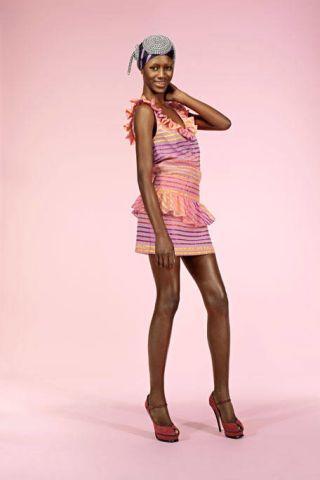 Sleeve, High heels, Human leg, Shoulder, Joint, Style, Knee, Dress, One-piece garment, Fashion,