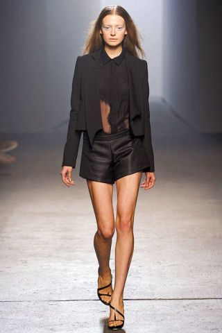 Clothing, Brown, Sleeve, Human leg, Shoulder, Textile, Joint, Style, Fashion model, Fashion show,