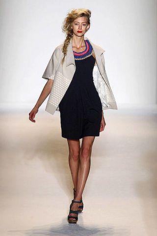 Clothing, Leg, Fashion show, Human leg, Shoulder, Joint, Fashion model, Runway, Dress, Style,
