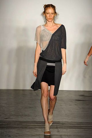 Brown, Sleeve, Shoulder, Human leg, Joint, White, Standing, Fashion show, Style, Waist,