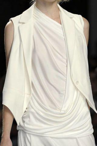 Sleeve, Shoulder, Textile, Joint, White, Style, Fashion model, Fashion, Neck, Beauty,