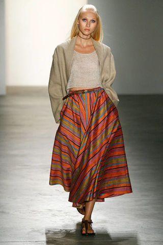 Shoulder, Textile, Joint, Style, Waist, Fashion, Neck, Street fashion, Pattern, Sandal,