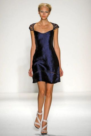 Clothing, Hairstyle, Dress, Shoulder, Human leg, Joint, One-piece garment, Style, Waist, Formal wear,