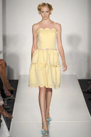 Clothing, Arm, Leg, Human leg, Shoulder, Hand, Joint, Dress, Standing, Fashion model,