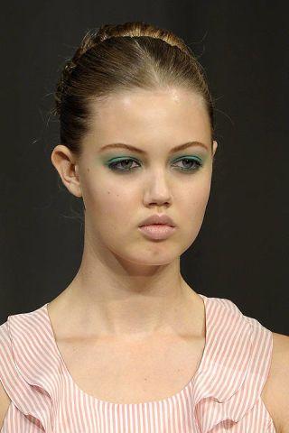 Hair, Face, Ear, Lip, Cheek, Hairstyle, Skin, Chin, Forehead, Shoulder,