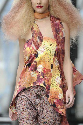 Style, Fashion model, Fashion, Beauty, Model, Fashion show, Street fashion, Blond, Trunk, Long hair,