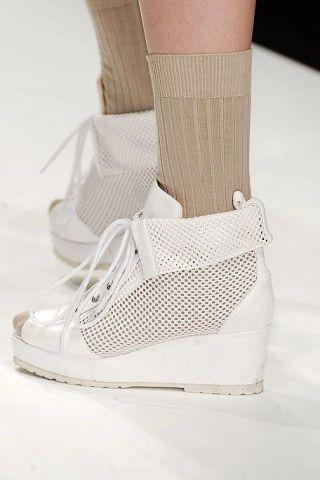 Product, Shoe, White, Fashion, Black, Sneakers, Grey, Tan, Beige, Walking shoe,