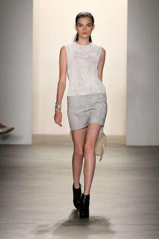 Clothing, Leg, Human body, Human leg, Shoulder, Joint, Fashion show, Style, Knee, Fashion model,