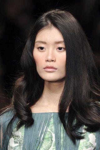 Hair, Nose, Lip, Hairstyle, Skin, Chin, Forehead, Eyebrow, Style, Black hair,