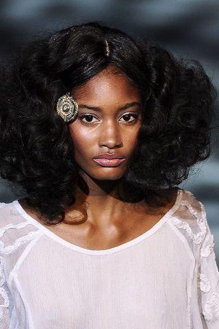 Clothing, Lip, Hairstyle, Chin, Eyebrow, Style, Black hair, Eyelash, Beauty, Portrait photography,