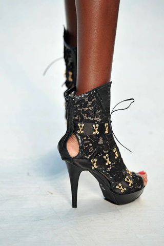 Footwear, High heels, Fashion, Carmine, Sandal, Basic pump, Close-up, Fashion design, Leather, Foot,