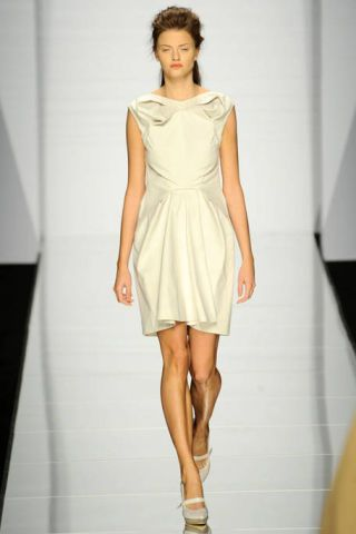 Clothing, Footwear, Leg, Hairstyle, Sleeve, Human leg, Dress, Shoulder, Fashion show, Joint,