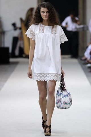 Clothing, Hairstyle, Shoulder, Fashion show, Joint, White, Style, Fashion model, Fashion accessory, Runway,