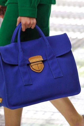 Blue, Bag, Electric blue, Style, Luggage and bags, Shoulder bag, Cobalt blue, Fashion, Street fashion, Azure,