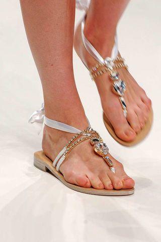 Brown, Toe, Photograph, Joint, Human leg, Sandal, Style, Fashion accessory, Foot, Organ,