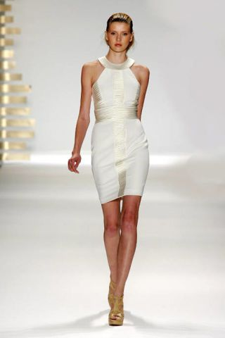 Clothing, Sleeve, Skin, Fashion show, Shoulder, Dress, Human leg, Joint, White, Waist,