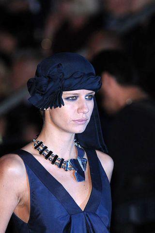 Jewellery, Fashion accessory, Style, Headgear, Body jewelry, Necklace, Fashion, Street fashion, Neck, Electric blue,