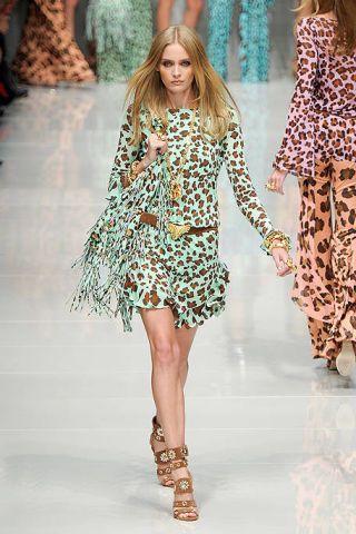 Clothing, Fashion show, Event, Shoulder, Runway, Human leg, Joint, Fashion model, Dress, Style,