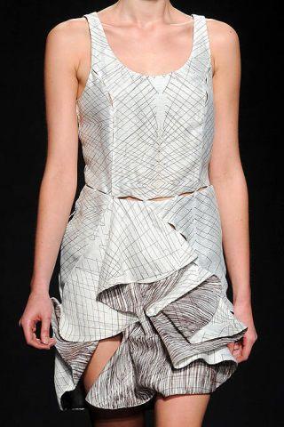 Shoulder, Joint, Pattern, Fashion, One-piece garment, Neck, Black, Day dress, Thigh, Fashion model,