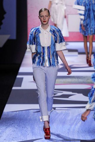 Clothing, Blue, Fashion show, Shoulder, Textile, Joint, Outerwear, Runway, Style, Electric blue,
