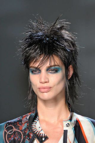 Hairstyle, Chin, Forehead, Eyebrow, Style, Black hair, Iris, Eyelash, Costume accessory, Cool,