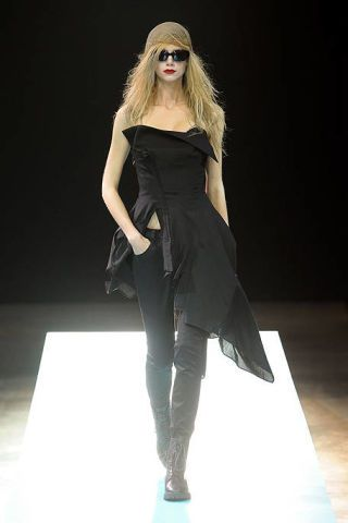 Clothing, Shoulder, Sunglasses, Fashion show, Style, Fashion model, Dress, Fashion, Model, Beauty,