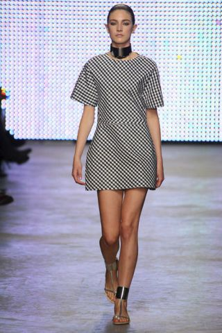 Shoulder, Fashion show, Joint, Dress, Human leg, Pattern, Runway, Style, Fashion model, Street fashion,