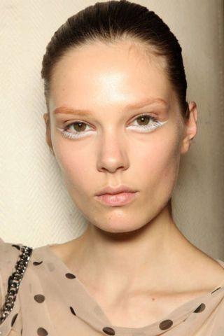 Ear, Lip, Cheek, Eye, Hairstyle, Skin, Chin, Forehead, Eyebrow, Eyelash,