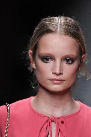 Hair, Lip, Cheek, Hairstyle, Chin, Forehead, Eyebrow, Eyelash, Style, Neck,