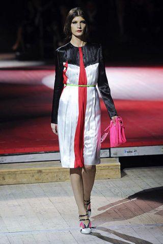 Clothing, Dress, Fashion show, Outerwear, Style, Runway, Jewellery, Fashion model, Fashion, Street fashion,