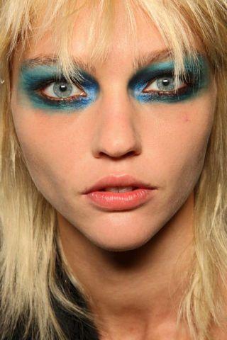 Nose, Mouth, Lip, Cheek, Hairstyle, Skin, Chin, Eyelash, Eyebrow, Eye shadow,