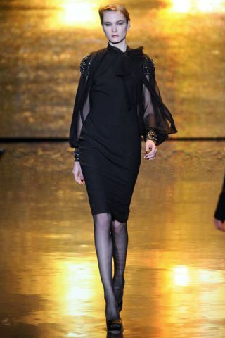 BADGLEY MISCHKA FALL RTW 2011 PODIUM 003