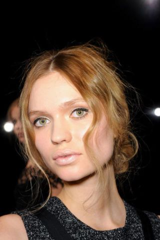 BEHNAZ SARAFPOUR FALL RTW 2011 BEAUTY 003