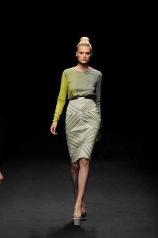 Leg, Fashion show, Shoulder, Human leg, Joint, Style, Runway, Fashion model, Knee, Dress,